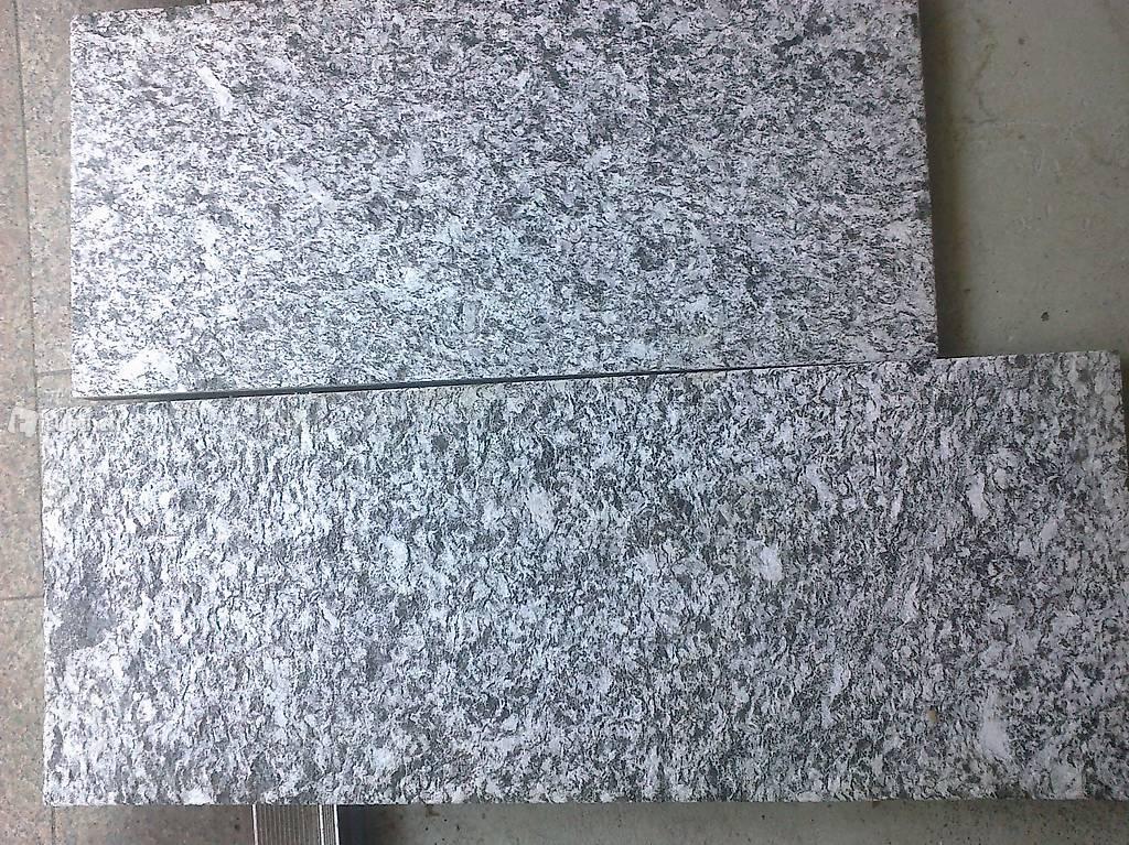 naturstein gartenplatten granitplatten serizzo 3 cm. Black Bedroom Furniture Sets. Home Design Ideas