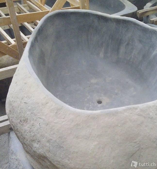 Badewanne freistehende stein wanne garten pool in z rich for Garten pool wanne