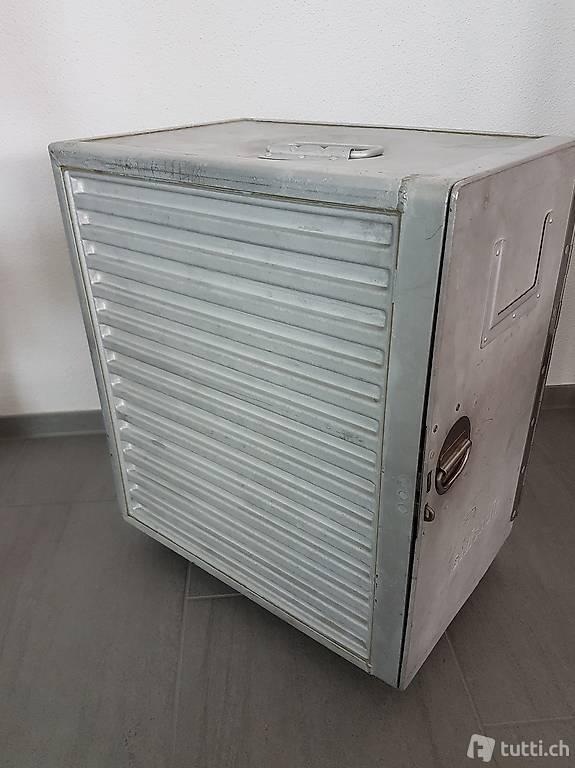 swissair trolley flugzeugtrolley original flugzeug airline. Black Bedroom Furniture Sets. Home Design Ideas