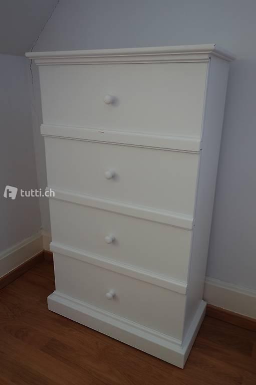 weisse schmale kommode mit schiebet ren in schaffhausen kaufen. Black Bedroom Furniture Sets. Home Design Ideas