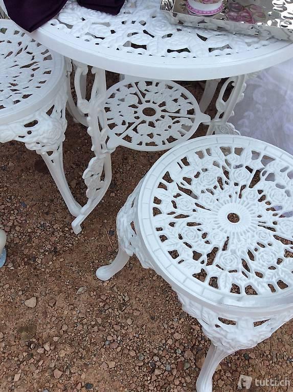 Tavolo piu quattro sedie in alluminio pressofuso in ticino for Tavolo piu sedie