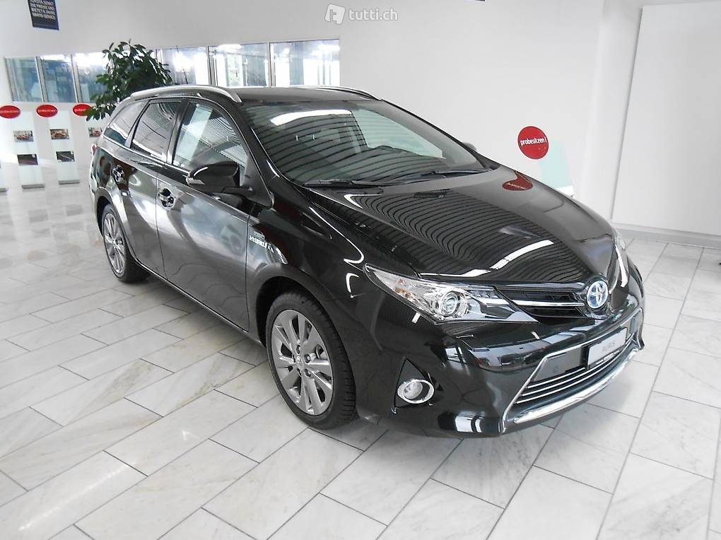 toyota auris touring sports 1 8 16v hsd linea sol kombi. Black Bedroom Furniture Sets. Home Design Ideas