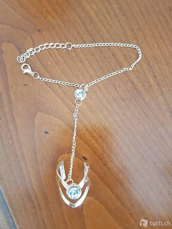 sklaven armband mit ring aus legierung und kristalle in z rich kaufen. Black Bedroom Furniture Sets. Home Design Ideas