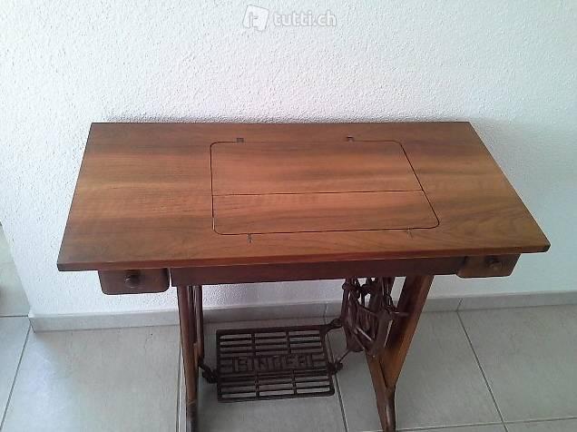zu verkaufen alte singer n hmaschine in luzern kaufen. Black Bedroom Furniture Sets. Home Design Ideas
