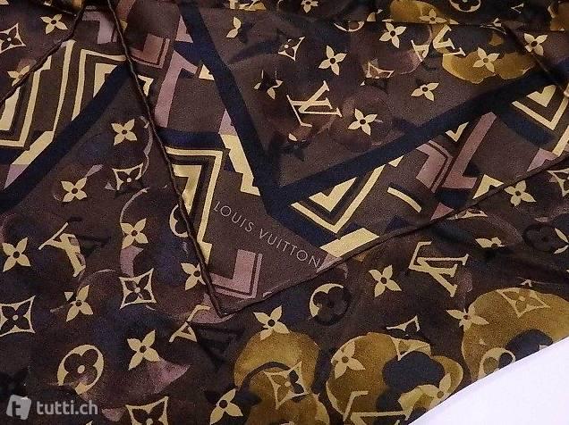 l'ultimo 4343d b6445 Foulard Louis Vuitton Monogram in pura seta, sfondo marrone ...