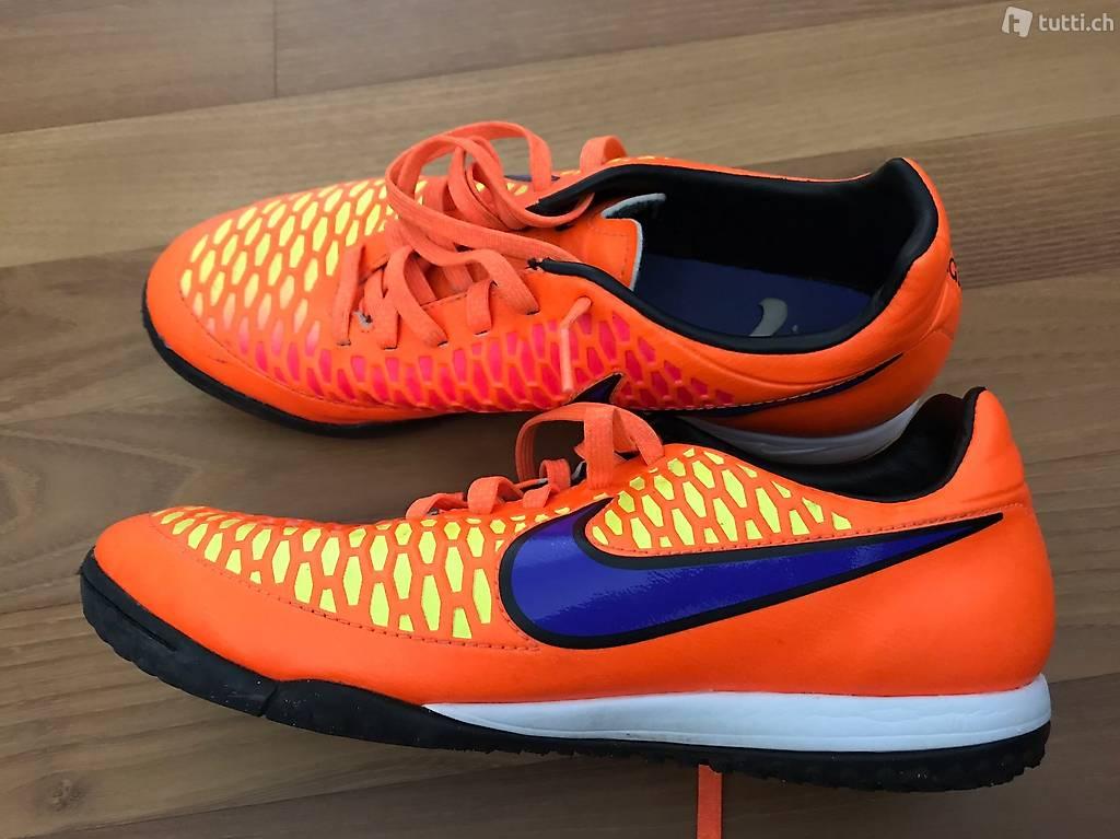 Gebrauchter Nike Turnschuh, Gr 40,5 in Aargau kaufen ...