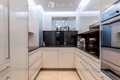 moderne und gepflegte 5 5 zi wohnung im hoch in zurigo acquistare re max winterthur. Black Bedroom Furniture Sets. Home Design Ideas