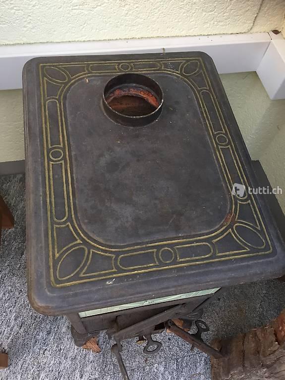ein wundersch ner kleiner ofen in basel kaufen. Black Bedroom Furniture Sets. Home Design Ideas