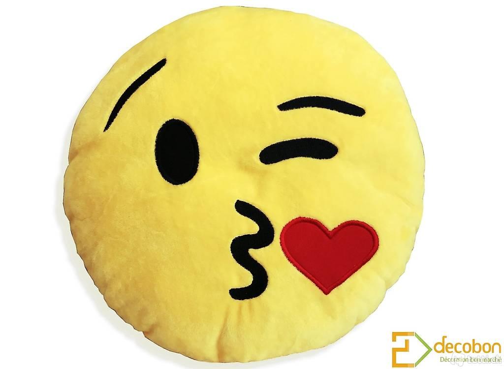 Coussin peluche smiley emoji jaune tout doux bisou coeur in vaud acheter - Smiley bisous iphone ...
