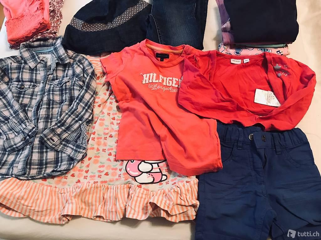 Kleiderpaket Grösse 92-98 in Thurgau kaufen - tutti.ch
