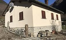 Casa con rustico/stalla e terreno agricolo