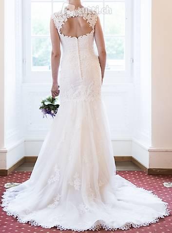 Traumhaftes Brautkleid / Hochzeitskleid aus zarter Spitze