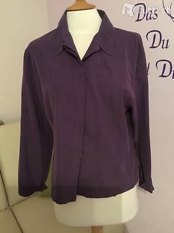 Sehr schöne violette Bluse in Gr. 44