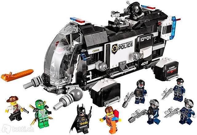 Lego Movie 70815 Super Secret Police Dropship #2