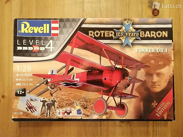 1:28 Revell 05778 - 125 YEARS ROTER BARON FOKKER DR. I
