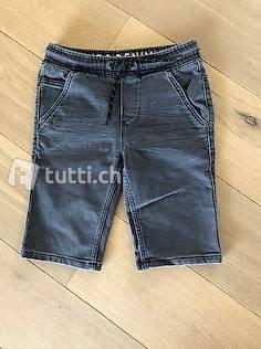 Kurze Jeanshose für Jungs Gr. 146