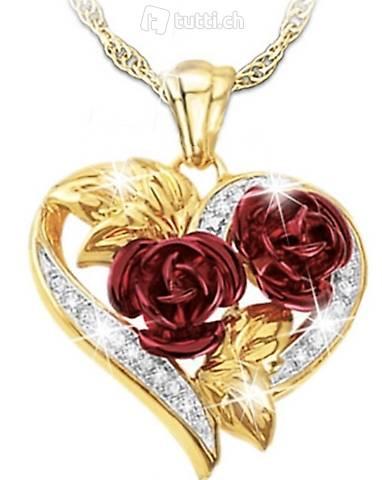 Halskette und Ohrringe Herzform mit Rose