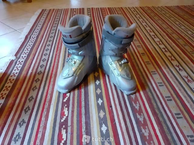 vendo causa inutilizzo scarponi da sci adulto