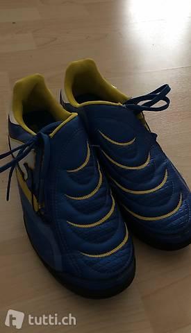 Neu Puma Fussball-Schuhe, Grösse 38