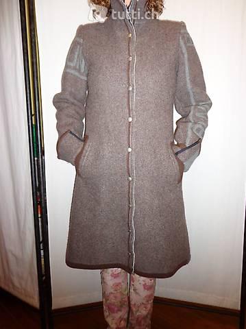 Neuer Mantel 100 % Wolle von km/a Grösse 36