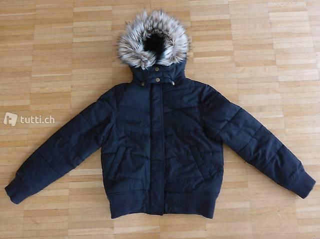 Winterjacke schwarz Gr. 140
