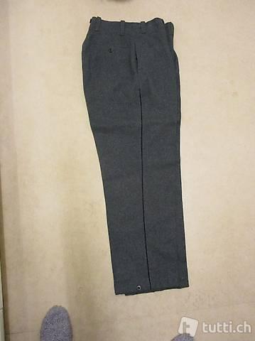 Uniform-Hose Ausgang / Tenue B der Schweizer Armee L 98