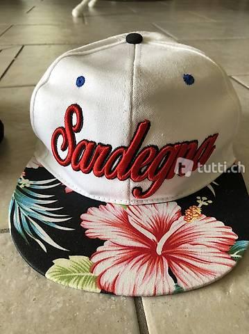 Kappe Mütze Cape aus Sardinen in Grösse 58