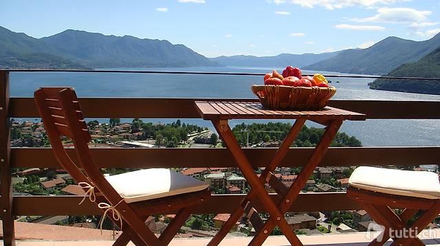 Ferienwohnung mit Pool mit traumhafter Sicht auf den Lago