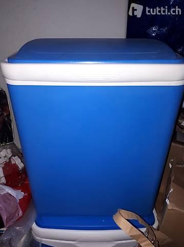 blaue Kühlbox 20l, tiptop campingaz