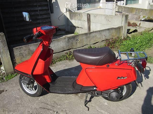 schönes Motorrad Yamaha 14T Salient 50ccm / Roller rot
