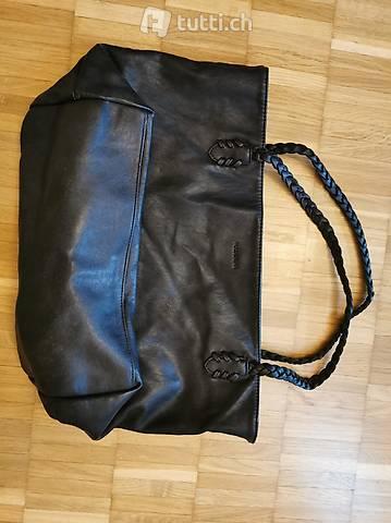 schwarze Handtasche (Pull&Bear)