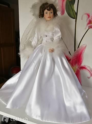 Porzellanpuppe Heiratet
