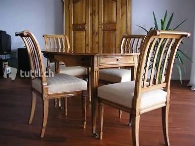 Louis XVI - Table ronde et suite de 4 chaises