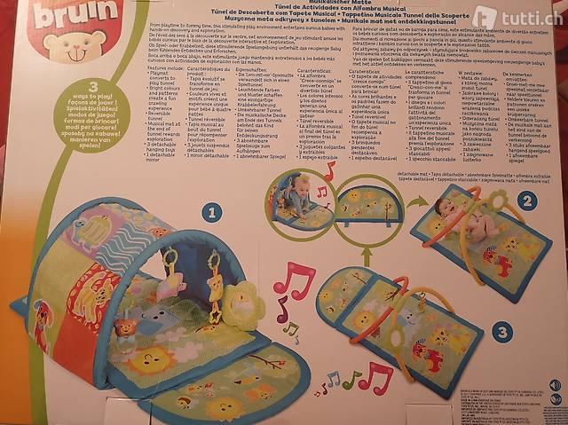 Spielmatte und Entdeckungstunnel mit Musik