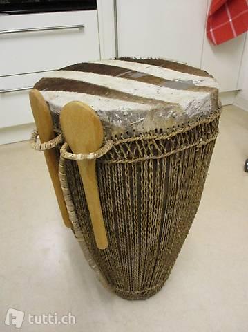 Afrikanische Trommel Schlagzeug mit Zebra-Fell - TOP!