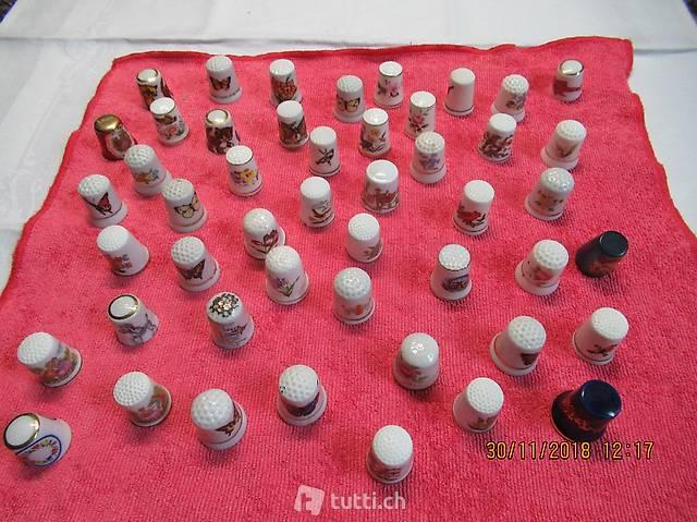Fingerhut Porzellan, weiss mit Handbemalung