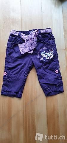 Hose Gr. 68 leicht gefüttert violett mit Schmetterling