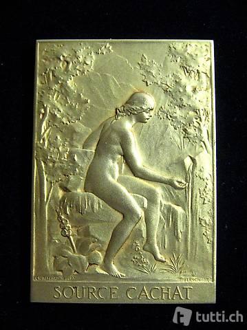 Art Deco Plakette Evian vergoldet 1926